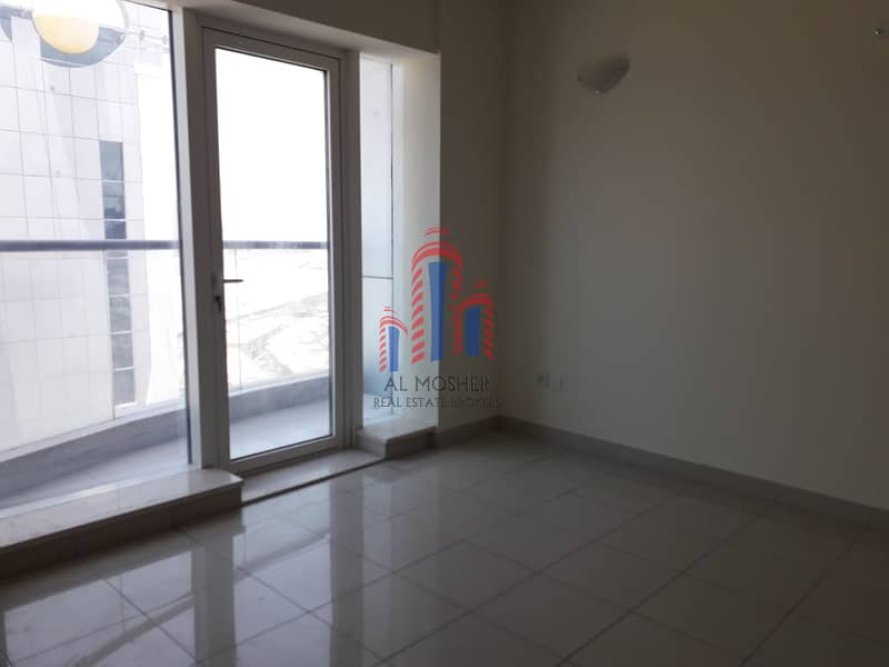 1 Vacant 1-BR  Cricket Tower Sport City