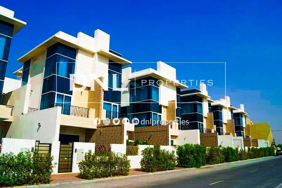 Exclusive |Stunning 4 Bedroom Villa | Next to Park | Private Pool