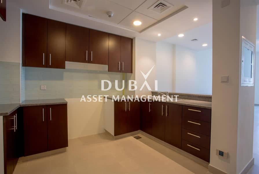 2 Live by the water   Rent by the month   1 bedroom apartment at Dubai Wharf