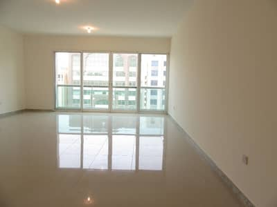 3 Bedroom Flat for Rent in Hamdan Street, Abu Dhabi - Zero Commission! Spacious and Well-maintained