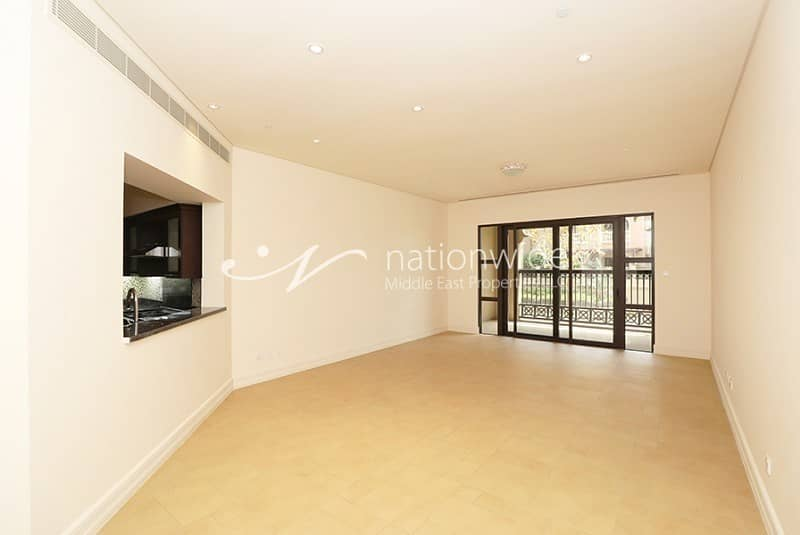 2 Exceptional Living In Gorgeous Apartment