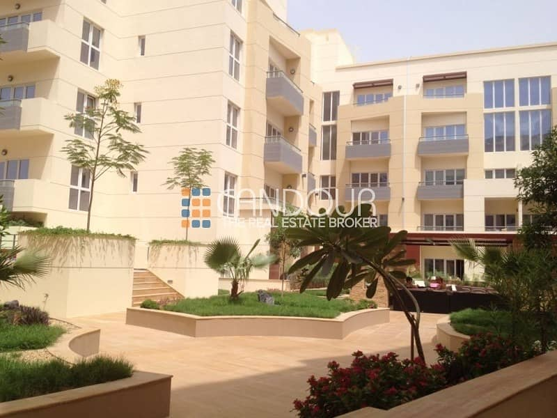 1 Bedroom   Small Private Garden   1 Parking Space