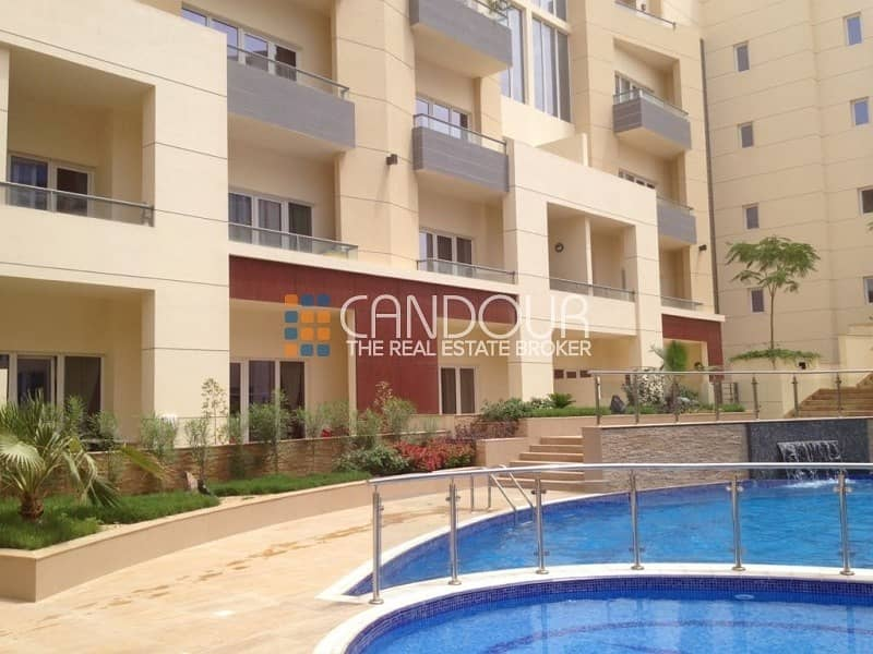 2 1 Bedroom   Small Private Garden   1 Parking Space