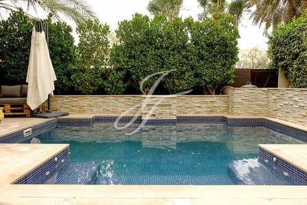 فیلا 3 غرفة نوم للبيع في البحيرات، دبي - Upgraded Sunfilled Villa | Pool | Exclusive