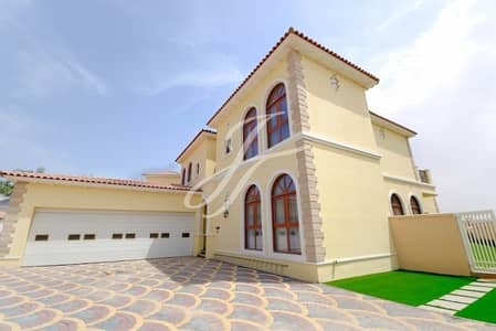 5 Bedroom Villa for Sale in Jumeirah Golf Estate, Dubai - 5 Bedroom- Beautiful stand alone Villa - Canal view