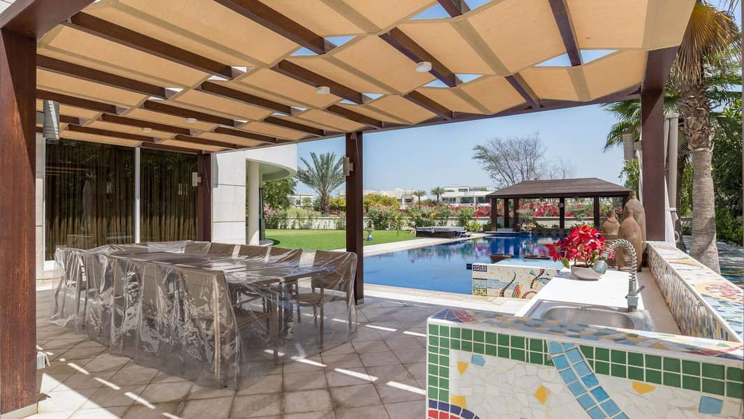 12 Marvelous Family Villa in Sector V of Emirates Hills