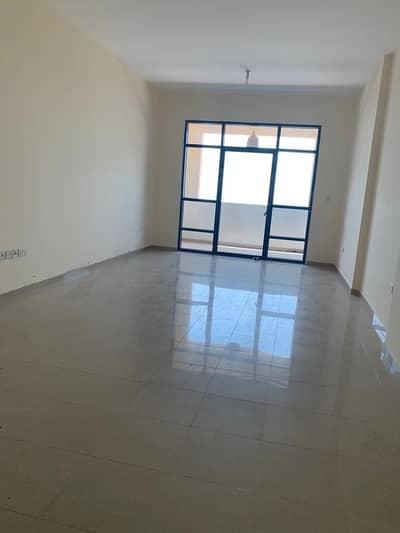 شقة 2 غرفة نوم للايجار في الخالدية، أبوظبي - Splendid Apt! Full Sea View 2BHK with Parking