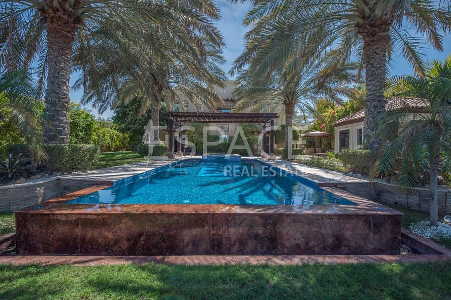2 Upgraded 5 Bed - Large Plot on Golf Course
