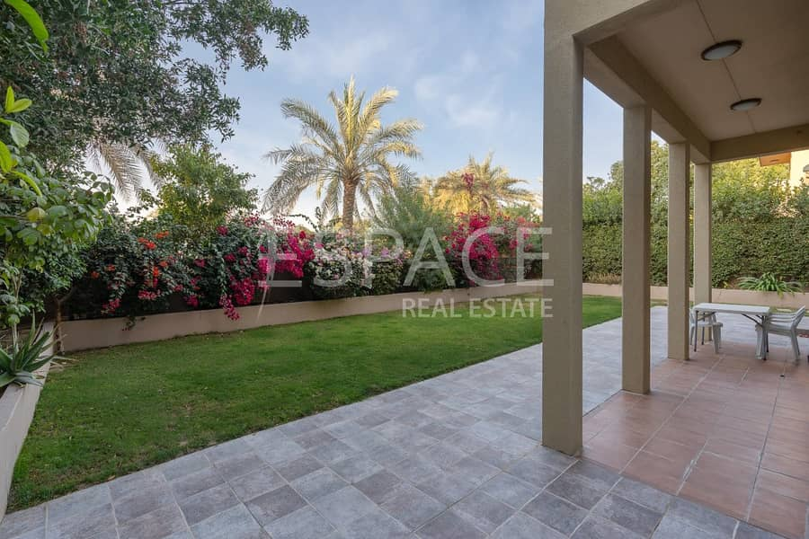 9 Saheel - Big Plot - Immaculate Condition