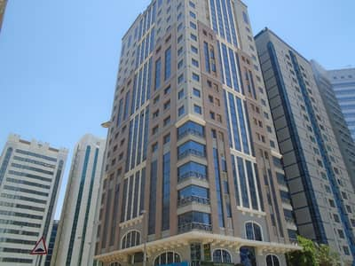 شقة 1 غرفة نوم للايجار في شارع النجدة، أبوظبي - شقة في برج الجميرا شارع النجدة 1 غرف 48000 درهم - 4176886