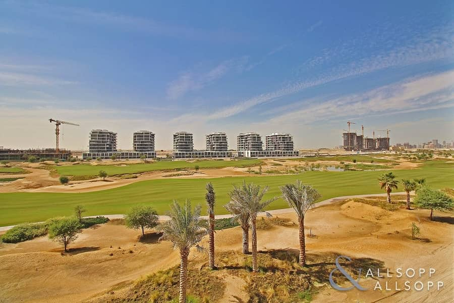 Modern Studio | Golf Course View | Parking
