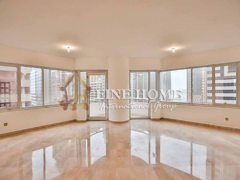 Spacious & Lush! 3BR Apartment