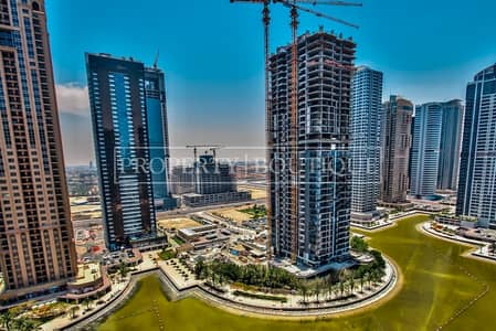 Office for Rent in Jumeirah Lake Towers (JLT), Dubai - Beautifully Fitted   2 Partitions   Close to Metro