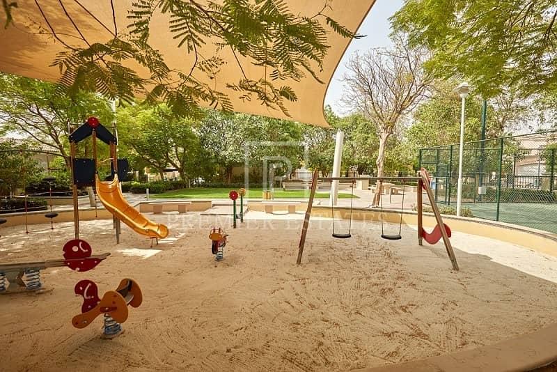 10 Great 5 Bedroom family Villa Extra Car Park space