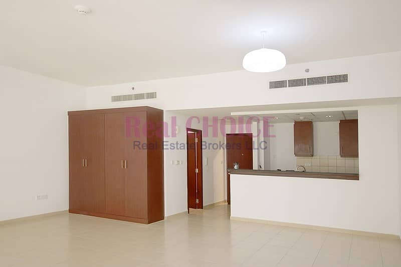 Well Maintained Studio Apartment|Mid Floor