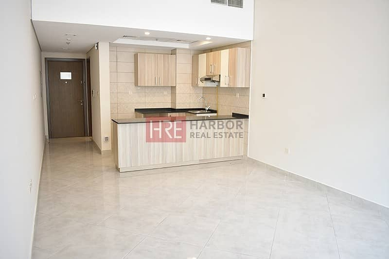 13 Spacious Studio   Brand New    Up To 12 Cheques