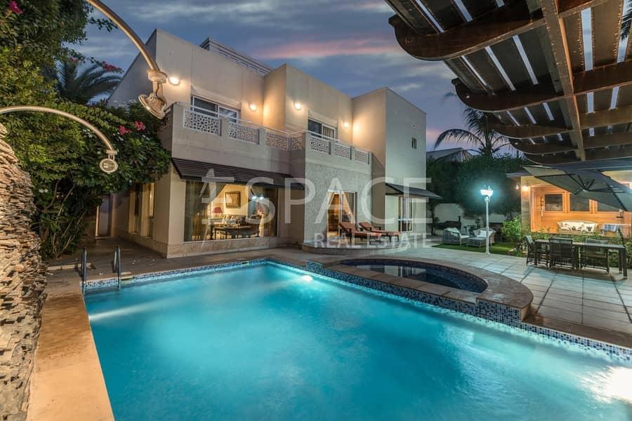 Stunning family Villa in Prime Location