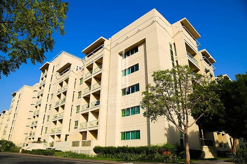 11 Best Deal | Bright 2 Bed Unit | High ROI