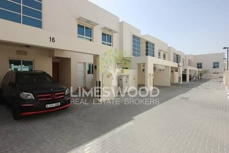 4 Bedroom Villa for Rent in Mirdif, Dubai - Beautiful 4 Bedrooms community Villa for Rent