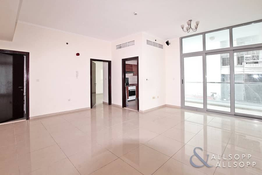 Spacious & Bright | 1 Bedroom | Unfurnished