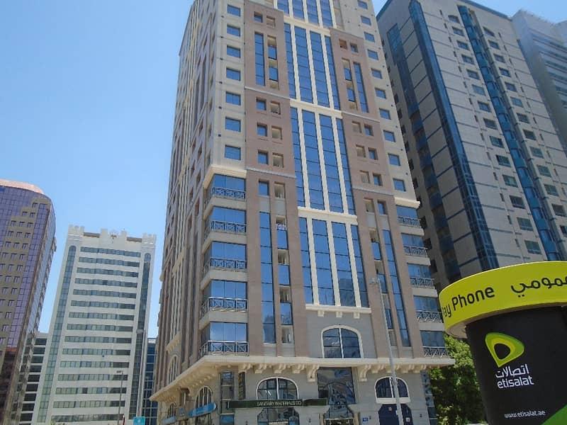 شقة في برج الجميرا شارع النجدة 1 غرف 48000 درهم - 4181075