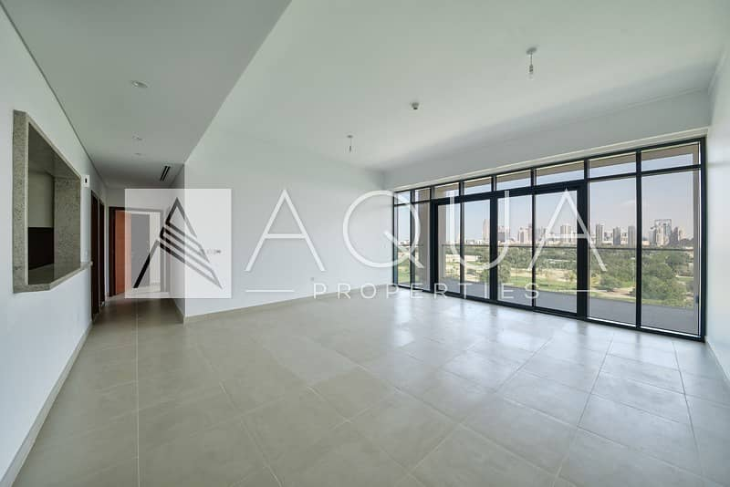 Specious | Golf Course | Brand New| Maid