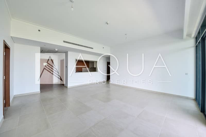 2 Specious | Golf Course | Brand New| Maid