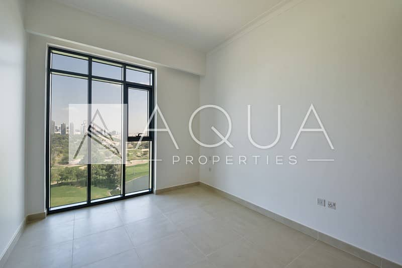 11 Specious | Golf Course | Brand New| Maid