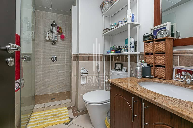 2 Large 2 bedrooms apartment for sale