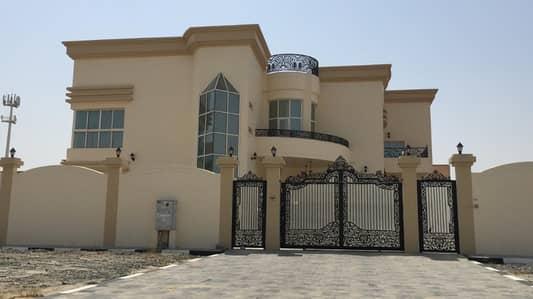 5 Bedroom Villa for Rent in Al Jurf, Ajman - large villa in the al jurf at a cheap price