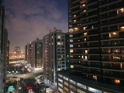 شقة 1 غرفة نوم للبيع في مدينة دبي الرياضية، دبي - 1 غرفة نوم فسيحة مع شرفة المدينة الرياضية