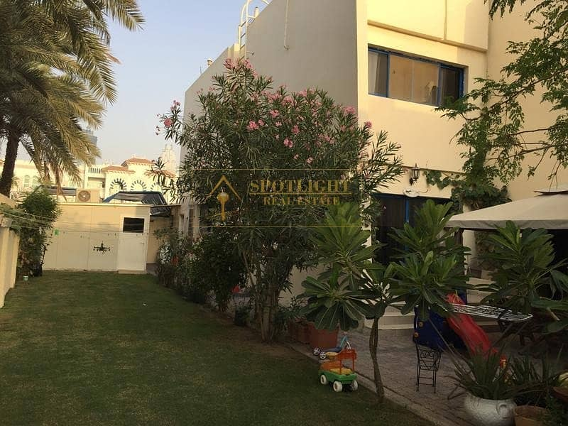 3 Bed Room Villa Jumeirah  140K Only