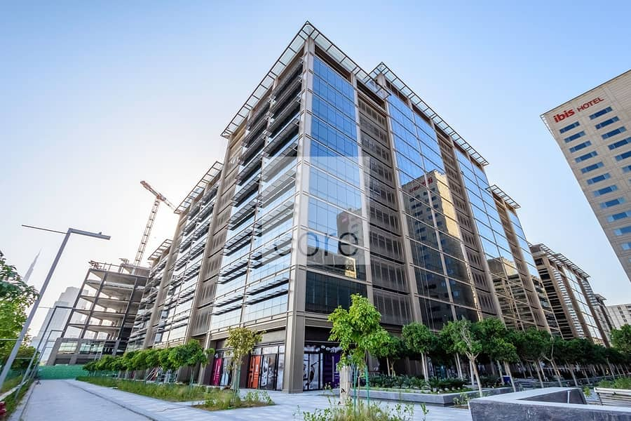 10 Full office in prime area | One Central