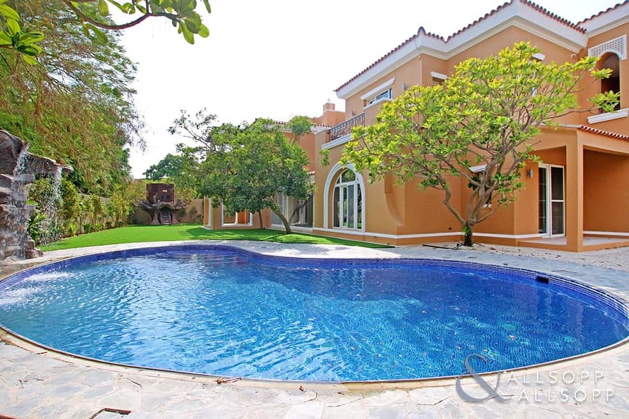 Upgraded | Private Pool | Five Bedroom