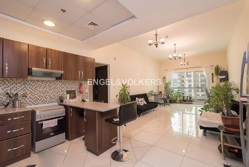 2 Large Layout I 1 Bed | Study | Maid Room