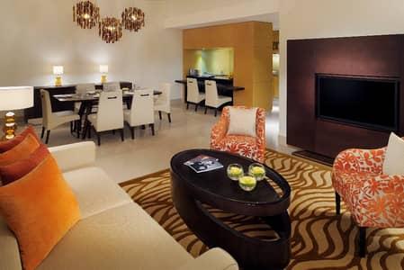 3 Bedroom Hotel Apartment for Rent in Bur Dubai, Dubai - Living Room