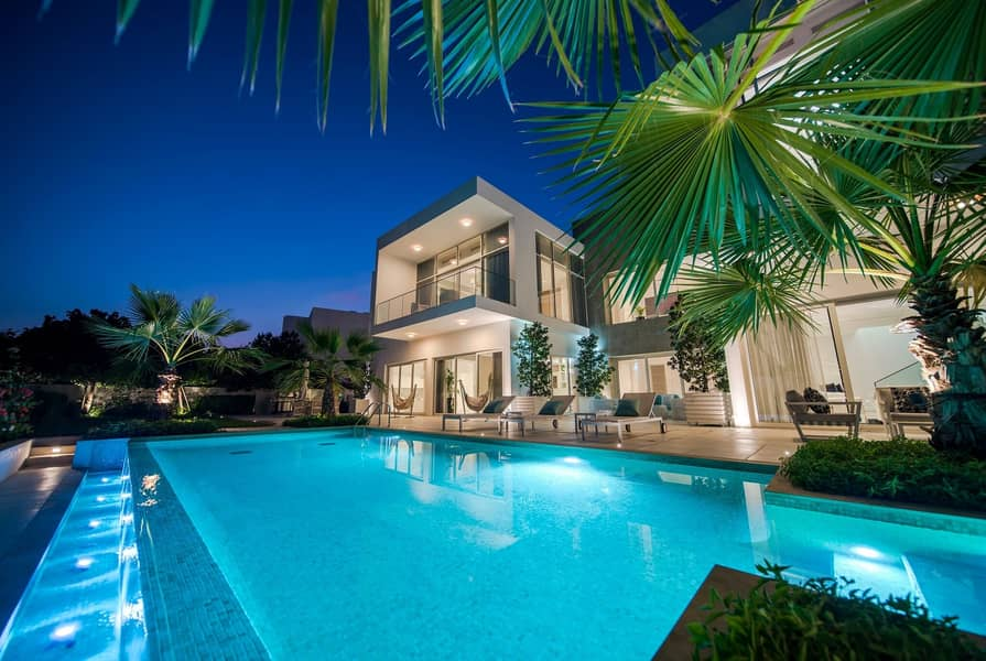 2 Spacious Modern Style and Luxurious Villa