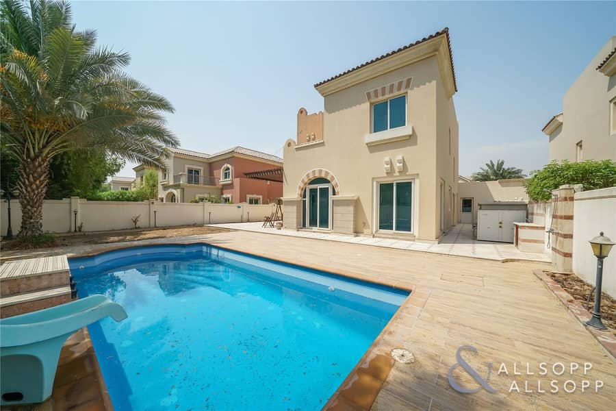 5 Bedroom | Private Pool | Close to Park