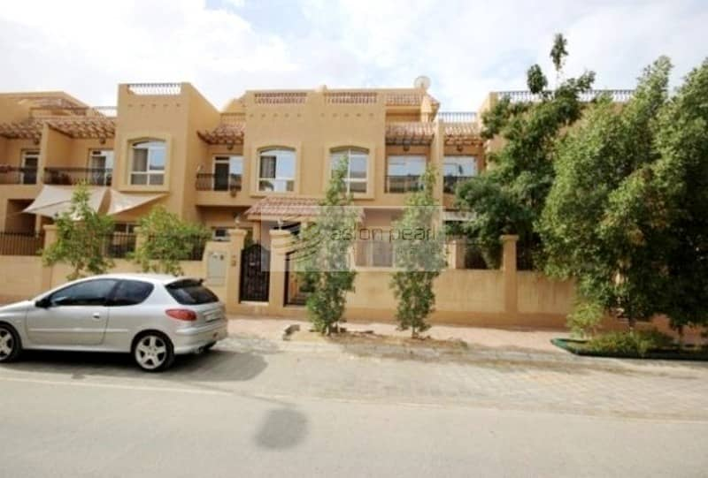 10 Family Opportunity 3Br+M+S Upgraded Townhouse