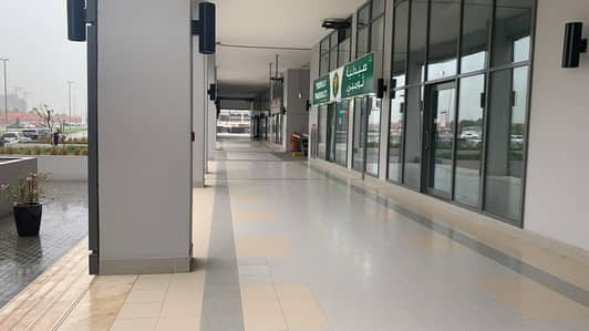 Shop for Rent in Business Bay, Dubai - Ready Fitted Shop in Business Bay