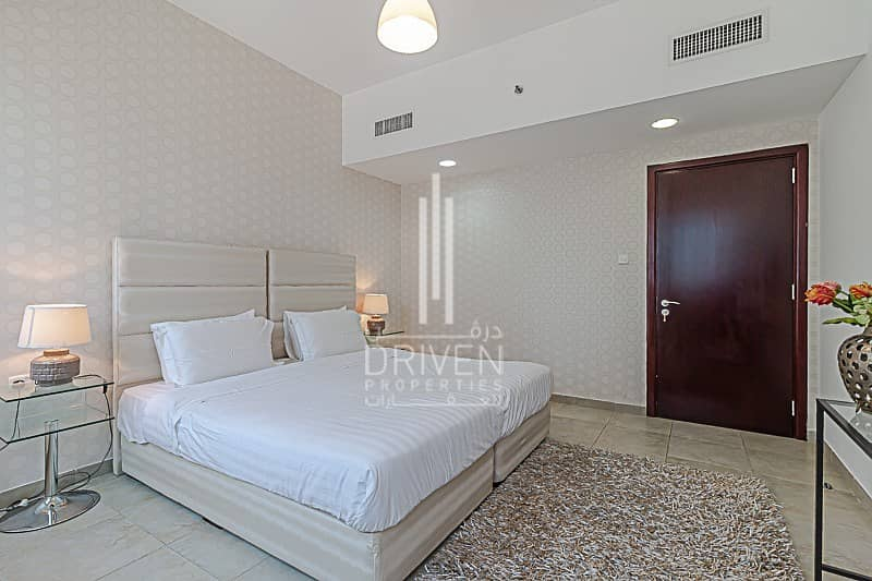 20 Bright and Fully Furnished with Lake View