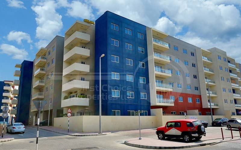 2 Vacant Unit!Homey Spacious Flat for Sale!!