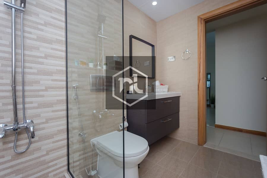10 Upgraded 1 BR Apartment | in Marina near to Metro.