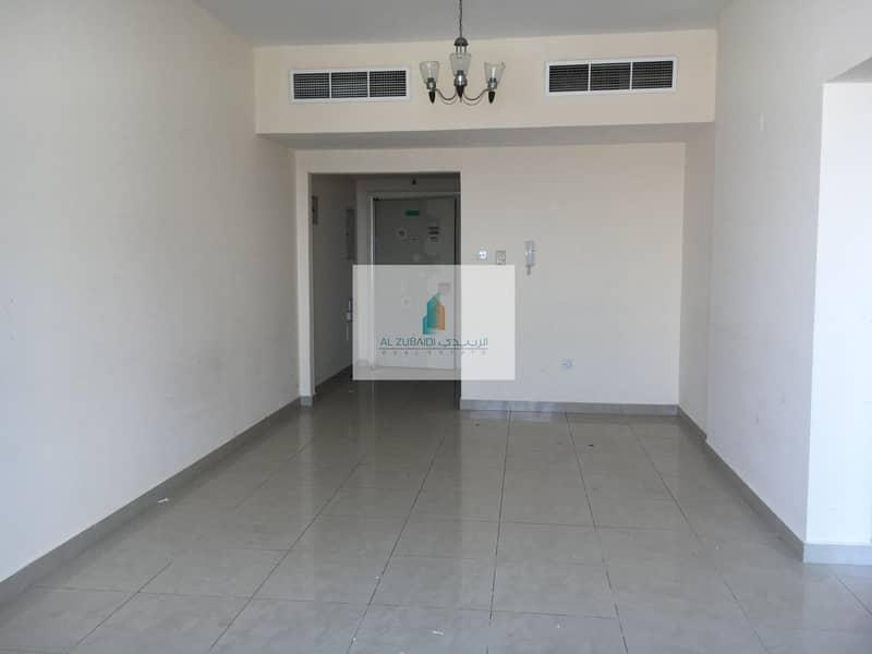 AC FREE 2BHK FOR 12CHQS OPPOSITE OF SAHARA CENTER FULLY FAMILY BUILDING