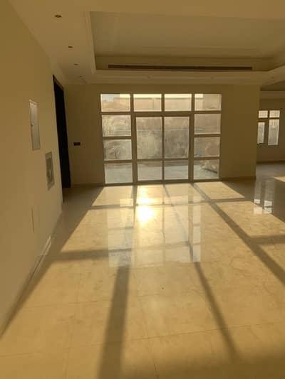 فیلا 5 غرفة نوم للايجار في المزهر، دبي - فيلا للايجار فى المزهر : 5 غرف ماستر مع ملحق ماستر