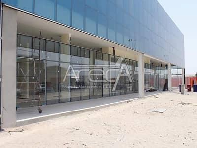 معرض تجاري  للايجار في مصفح، أبوظبي - Huge Showroom with Big Warehouse! Core n Shell Strategically Located in Mussafah