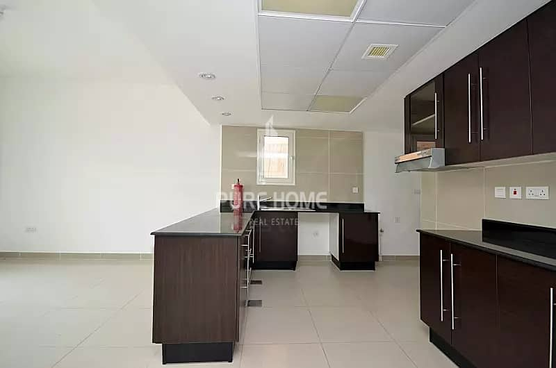 2 Ideal Investment! Spacious 2 Bedrooms Villa with Garden In  Al Reef
