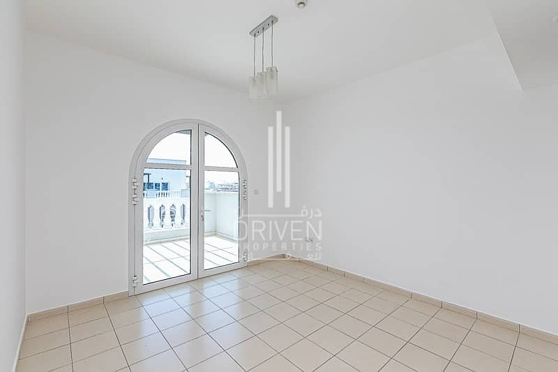 Spacious Terrace and Bright 2BR for Rent
