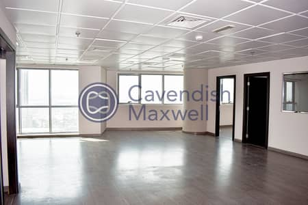Office for Rent in Barsha Heights (Tecom), Dubai - SZR View I High Floor I Fully Fitted I DED License