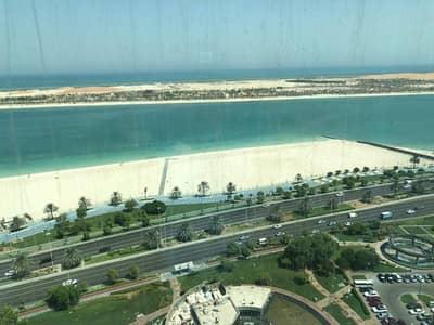 فلیٹ 2 غرفة نوم للايجار في منطقة الكورنيش، أبوظبي - شقة في منطقة الكورنيش 2 غرف 105000 درهم - 4188285